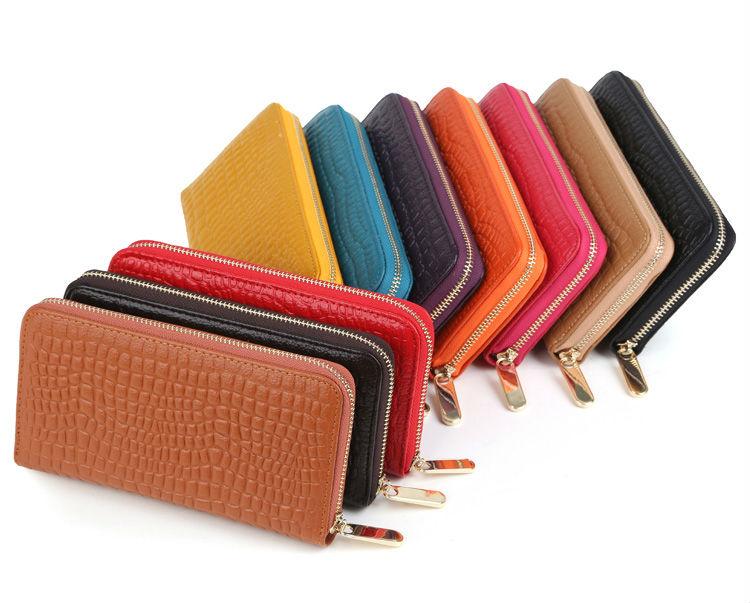 b57d17843a Dámska kožená peňaženka
